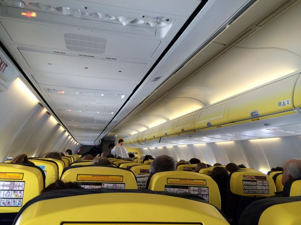 Avion Ryanair vu depuis l'intérieur de la cabine
