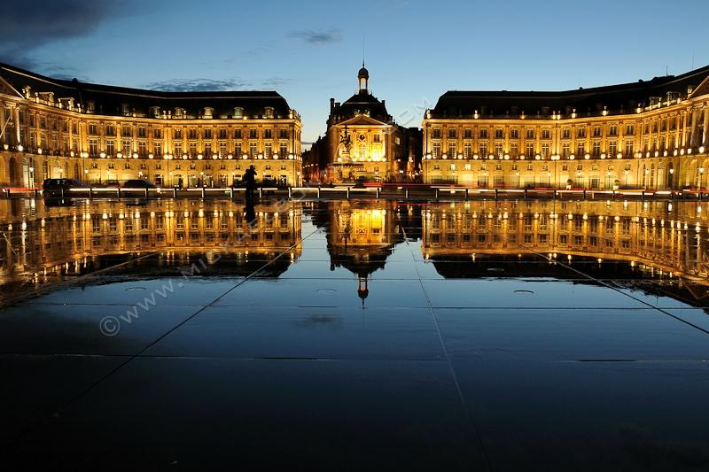 Bordeaux - Place de la Bourse - Miroir d'eau