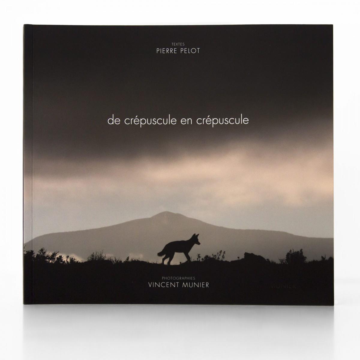 Couverture De Crépuscule en crépuscule - Vincent Munier