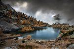 Cette photo me fait penser aux ambiances sombres qui me plaisent tant dans les Pyrénées. Ce paysage me fait envie, donc c'est assurément une réussite !