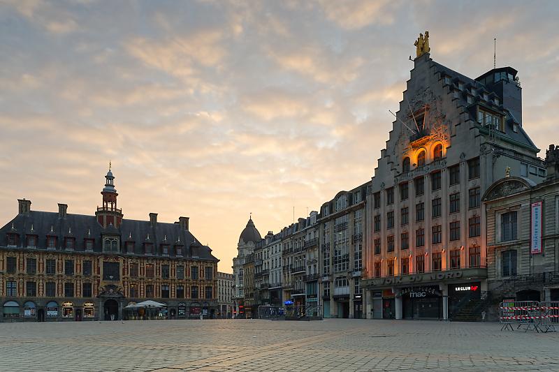 Lille - Au pays des Ch'tis - Vieux-Lille - Vielle bourse de Lille - Théâtre du Nord - La Voix du Nord