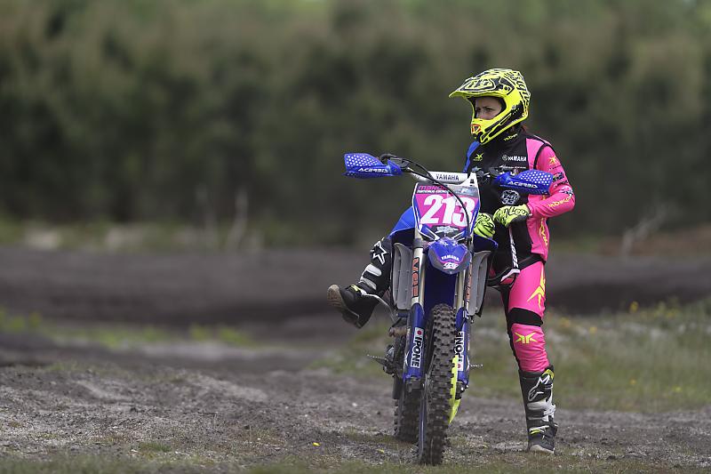 Motocross - Circuit de Hourtin - Manon Matinaud Escadé